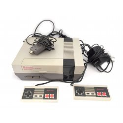 NES – Nintendo Entertainment System Control Deck (2 controllers)